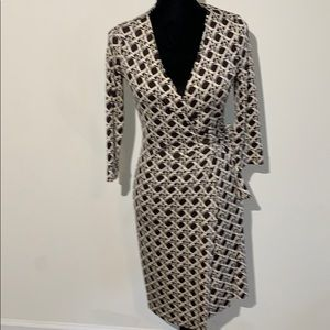 Geometric print silk wrap dress DVF 3/4 sleeve